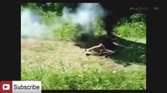 video lucu belajar nembak senjata gagal