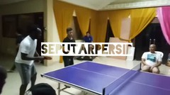 Lucu Essien Main Tenis Meja