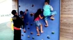 ARA bermain di taman bermain Anak-anak - Fun indoor playground for family