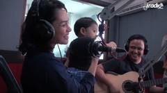 Andien & Kawa bernyanyi Metamorfosa di IRADIO