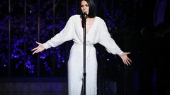 Jessie J - Performs 'Queen_⁄I'm Every Woman' (Dear Mama)
