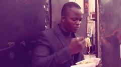 WOW!! Orang Nigeria Hanya Jualan 'Indomie' Kini Jadi Kaya Raya