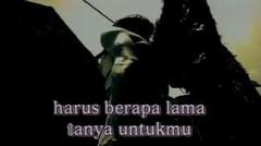 Chrisye Feat Peterpan - Menunggumu (Official Karaoke Video)