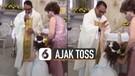 Polos Banget, Bocah Ajak Toss saat Diberkati Imam