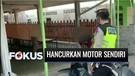 Viral Video Pria Hancurkan Motor Sendiri Saat Terjaring Razia | Fokus