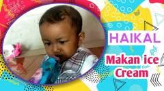 Hii Dinginnya :) Anak Kecil Lucu saat makan Es krim.