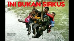 Aksi Heroik TNI rela menyabung nyawa tiap hari menyebrangkan anak sekolah di Sungai yang deras