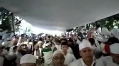 ribuan umat menanti kedatangan almarhum ustad arifin ilham