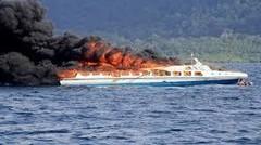 Video Amatir Detik-detik Kapal Zahro Express Terbakar