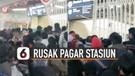 Viral Penumpang KRL Rusak Pagar Stasiun