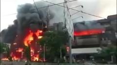 Detik Video Plaza Ramayana Aksara Terbakar ludes di Lalap si Jago Merah
