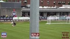 Kiper Galway United Lupa Cara Bermain Bola!