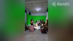 DJ SANTAI APA SALAHKU- ENTAH APA YANG MERASUKIMU