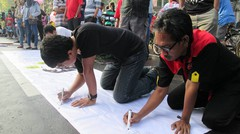 NEWS PRESENTER CONTEST: Kartunis Ber-Aksi Melawan Korupsi