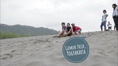 Main di Gumuk Pasir, Yogyakarta