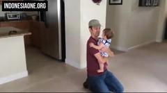 Ekspresi Anak Ketika Ayahnya Pulang Setelah Sekian Lama