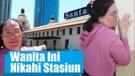 Gila, Wanita Ini Nikahi Stasiun Kereta