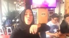 "Dubsmash Indonesia ""ayo goyang dumang"""