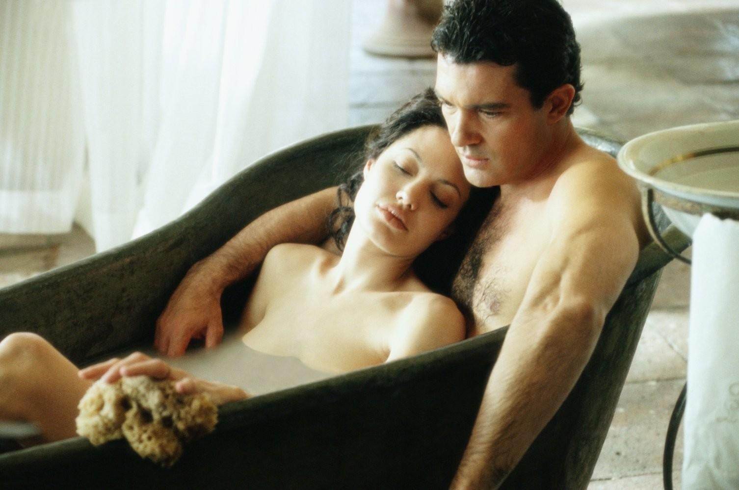 смотреть секс фильмы с белладонной онлайн бесплатно