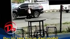 Ibu Ini Rela Turun Dari Mobil Mewahnya Demi Bantu Anak Kecil Menyebrang Jalan