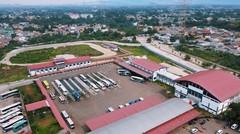 Terminal Jatijajar di Depok yang Besar dan Megah.