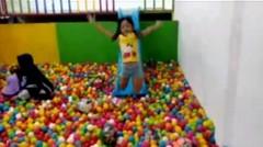 Ara mandi bola - Taman bermain indoor yang menyenangkan untuk anak-anak dan keluarga