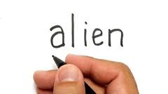 WOW, belajar cara menggambar kata ALIEN menjadi gambar THANOS   ,KEREN