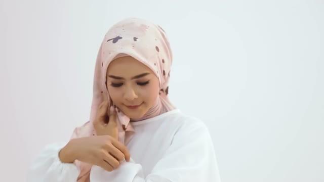 Streaming Tutorial Hijab Untuk Baju Putih Polos Hijup Vidio