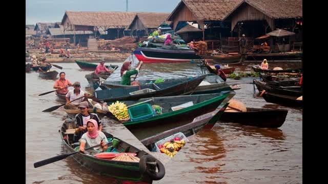 Hasil gambar untuk 7. Pasar Muara Kuin, Kalimantan Selatan.