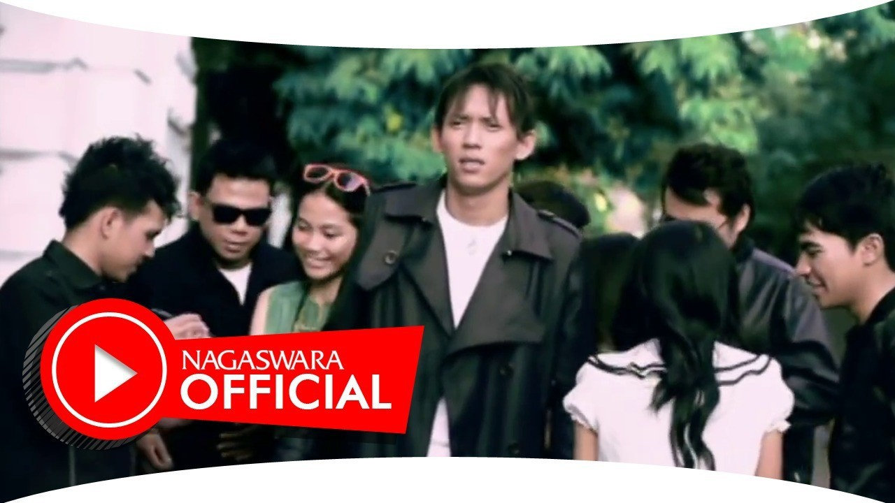 download lagu dadali - disaat aku pergi (official music video) mp3