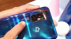 Intip Vivo V19, Smartphone Kekinian dengan Lubang di Layar