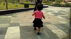Saat Baby Raesha Pertama Kali Belajar Jalan umur 11 Bulan