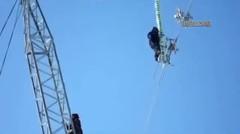 Ternyata begini pemasangan bola di kabel listrik bertegangan tinggi