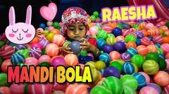 Baby Raesha Mandi Bola di arena Permainan Anak Mitaza Jaya Sampit