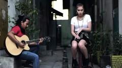 Viral# Bule Cantik Nyanyi Lagu Iwan Fals Bongkar