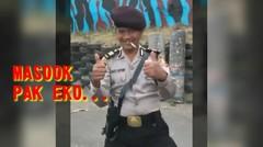 Masuk Pak Eko.. aksi lucu Polisi pelempar Jitu benda apa az tepat ke sasaran
