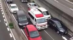 Miris, Ambulans Mau Lewat Malah Disetop Rombongan Khusus, Berikut Videonya