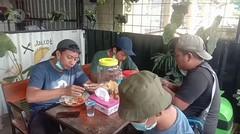 Ada rumah makan gratis bagi relawan gempa di Mamuju