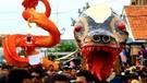 Puluhan Mahluk Aneh Raksasa Diarak Dalam Tradisi Nadran