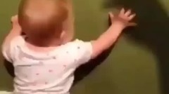 Lucunya Anak Kecil Takut Bayangan