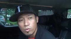 Gelagapan : Denny Cagur 'Gelagapan' di Dalam Mobil