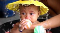 topi mandi bayi -topi keramas bayi baby bath time