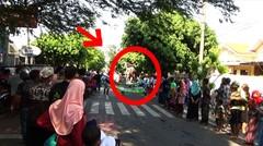 TNI Naik Macan Hebohkan Festival 501 payung Pekalongan