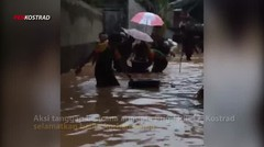 Tanggap Bencana Banjir,  Anggota Brigif PR 17 Selamatkaan Lansia.